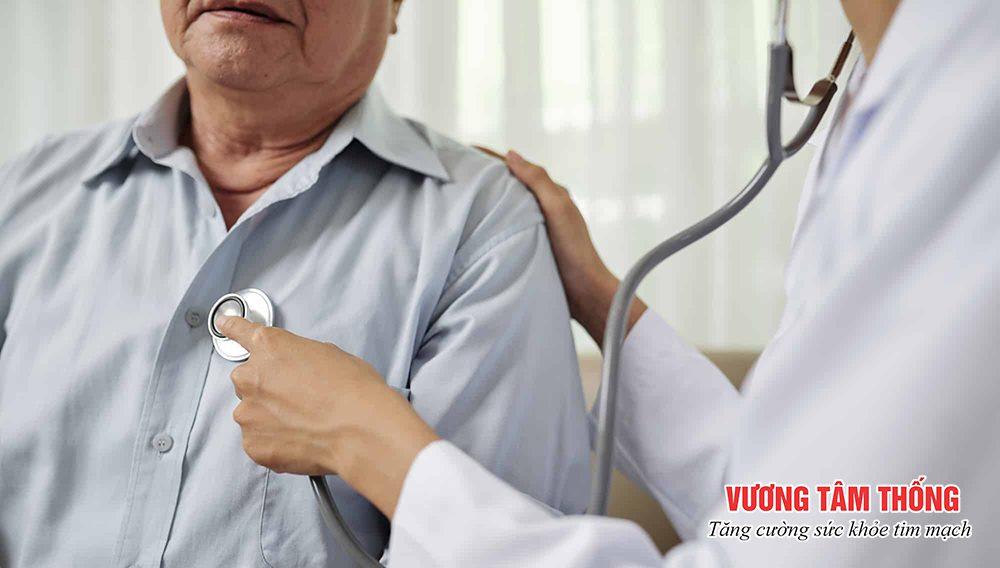 Nên đi khám ngay khi thấy xuất hiện triệu chứng bệnh suy tim