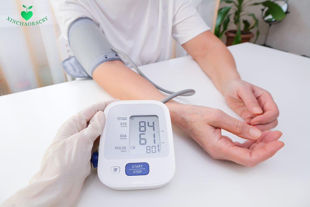 Tuột huyết áp (tụt huyết áp, hạ huyết áp) – Nguyên nhân, triệu chứng, cách trị