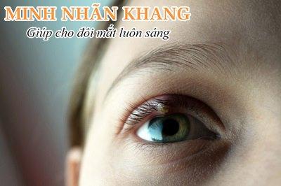 Triệu chứng của viêm mí mắt thường là ngứa, sưng, đỏ mắt