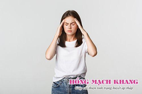 Biểu hiện của thiểu năng tuần hoàn não là những cơn đau đầu, chóng mặt